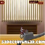 Evdeki motorbisiklet